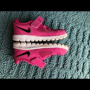 Girls Nike size 6c shoes